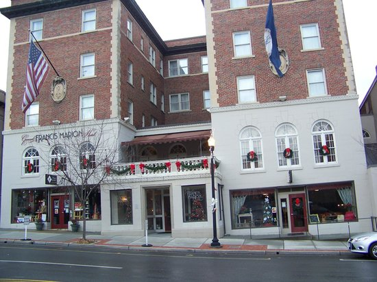 General Francis Marion Hotel: Front entrance to your next experience