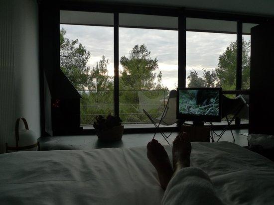 Hotel Consolacion: descansando en la cama