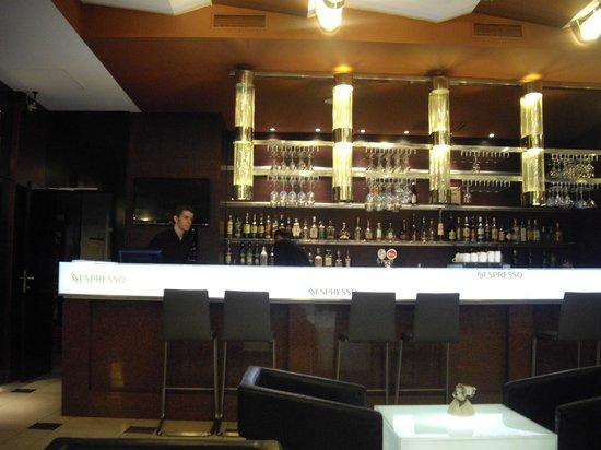Hotel Grand Majestic Plaza Prague: Lobby bar