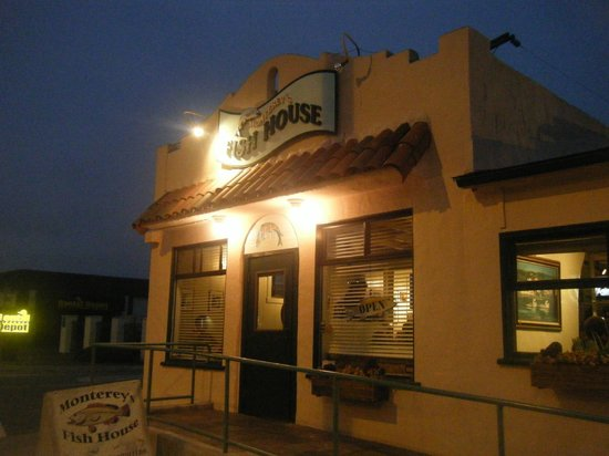 Monterey's Fish House : out of the way