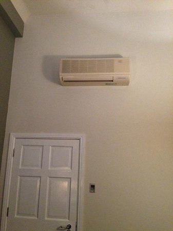 Abode Glasgow : The only fixed heating in the room- from the 1980's?
