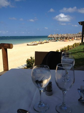 Iberostar Grand Hotel Rose Hall : View of the Ocean and Beach while at lunch