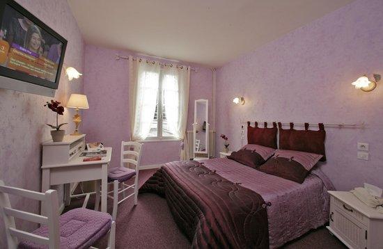 Hotel de Bordeaux: Chambre double bain