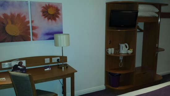 Premier Inn Burgess Hill Hotel: Nice Room
