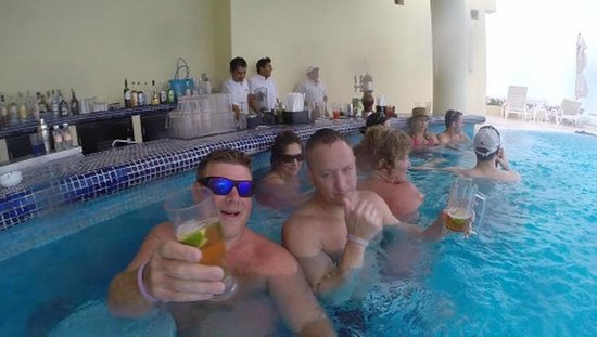 hangin at the swim up bar picture of live aqua beach resort cancun