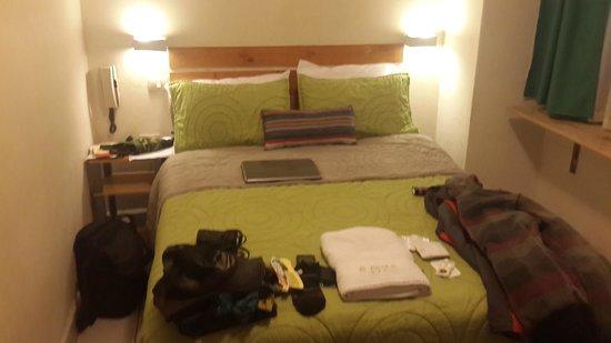 Hostal L'Baron: Room