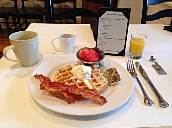 Riverdale Inn : Yummy breakfast!