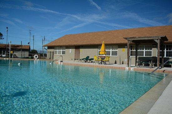 Orlando Southwest KOA: Relax by the Pool