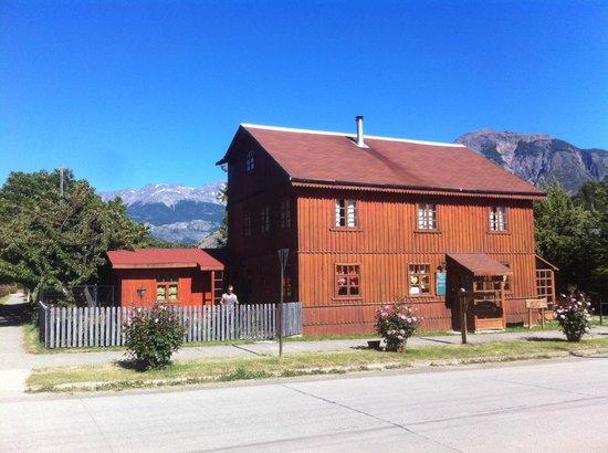 Antigua Casona Patagonia B&B