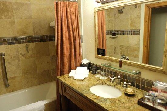 The Pines Lodge, A RockResort : Bathroom