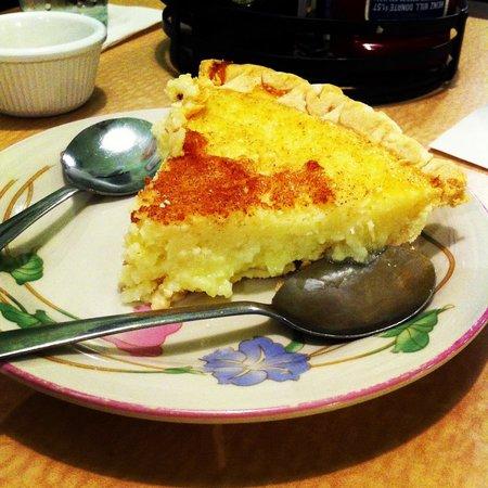 Main Street Cafe: Buttermilk pie!