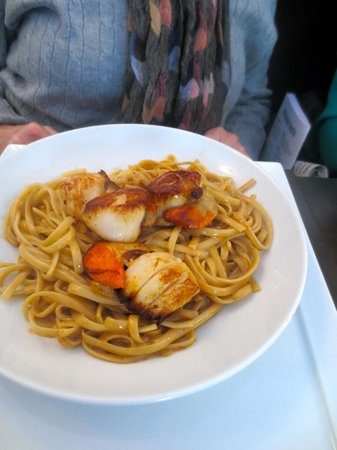 Variations: My friend's scallops and pasta