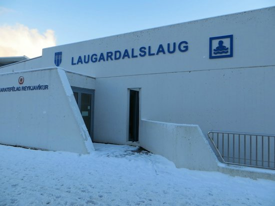 Laugardalslaug: The outside, right by the front entrance