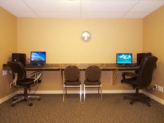 BCMInns - Hinton : Business Center