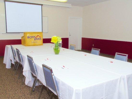 BCMInns - Lloydminster: Meeting Room