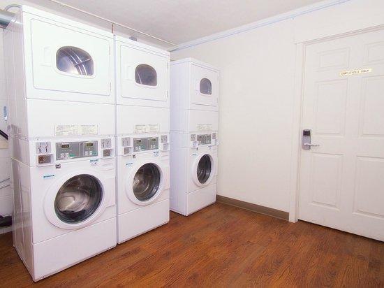 BCMInns - Lloydminster: Laundry