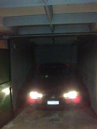 Lux Hotel Picpus : Box sécurisé et pas cher pour garer sa voiture