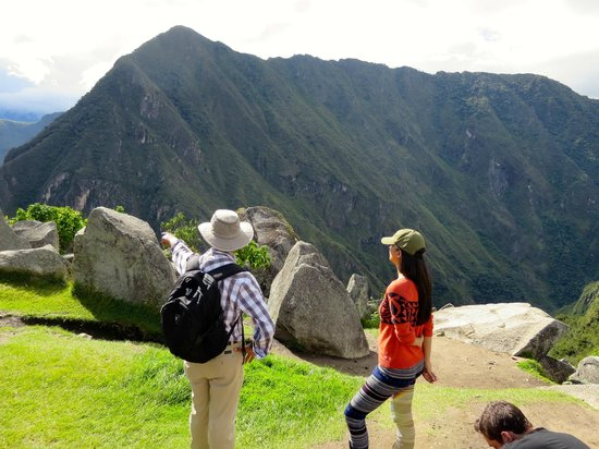 Inkatraces Day Tours: learning why the Inka people choose this place to build Machu Picchu