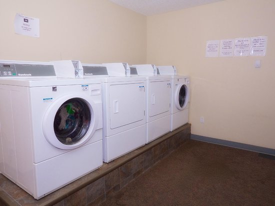 BCMInns, Rusty's Fort McMurray Hotel: Laundry