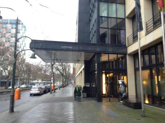 Pullman Berlin Schweizerhof: entrance