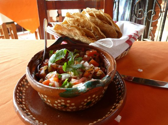 Viejo Vallarta: Delicious homemade salsa and tortillas!