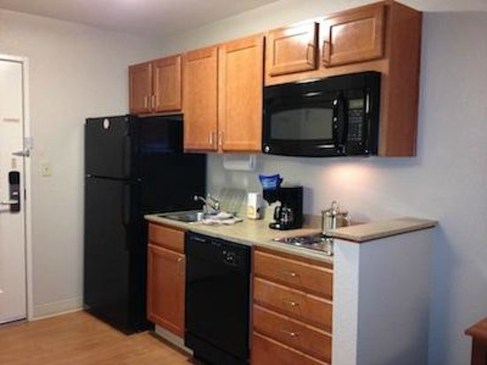 Candlewood Suites Oak Harbor: Nice Kitchenette!