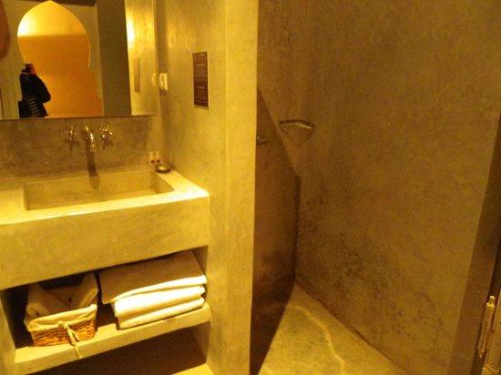 Kasbah Igoudar: Salle de bain
