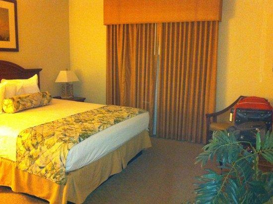 Tahiti Village: King Bedroom