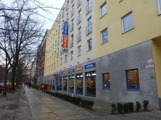 A&O Berlin Hauptbahnhof: Esterno dell'hotel