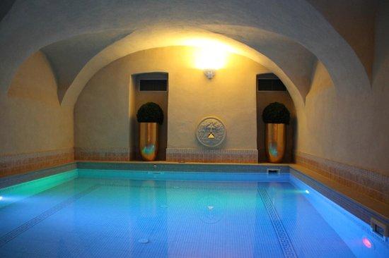 Eden Hotel: piscina della spa