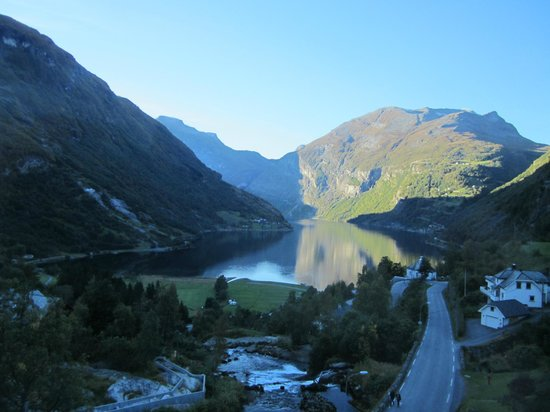 Hotel Union Geiranger: Afternoon sun from Room 524