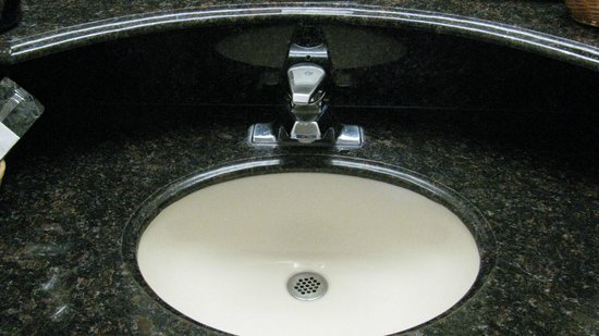 The Hotel Blue : Sink