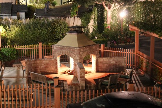 fire pit area with gazebo picture of candle light inn. Black Bedroom Furniture Sets. Home Design Ideas
