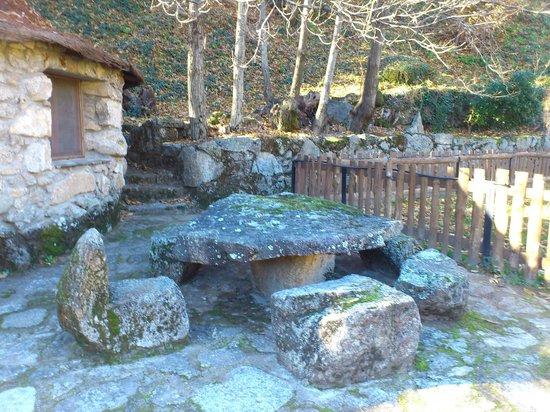 El Solitario: mesa piedra