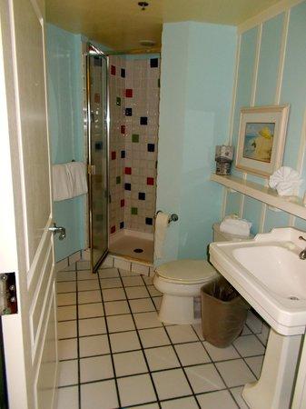 Disney's BoardWalk Villas: Bathroom