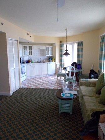 Disney's BoardWalk Villas: Kitchen and living room area