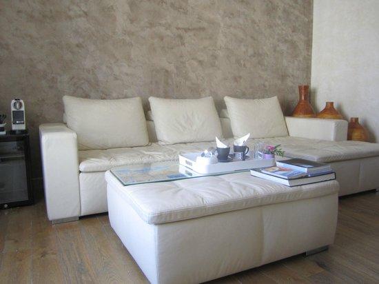 Le Dortoir : Living area