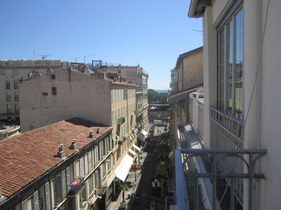 Le Dortoir: View on Balcony