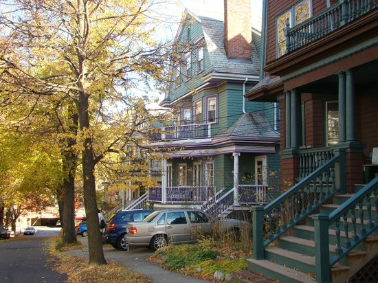 Coolidge Corner Guest House: An outside view