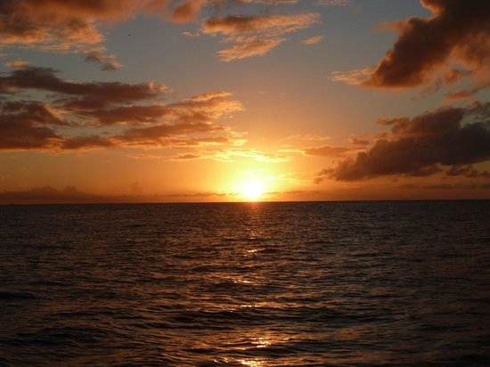 Jus' Sail : perfect sunset on jus sail