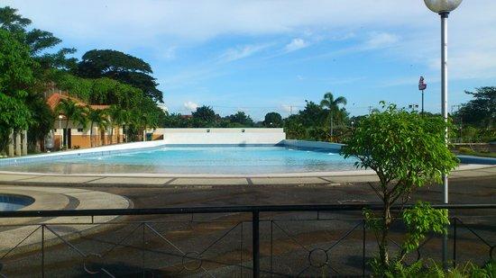 The Sulo Riviera Lucena City: wave pool
