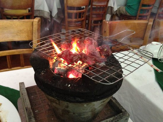 Luong Son (Bo Tung Xeo): grilling meat