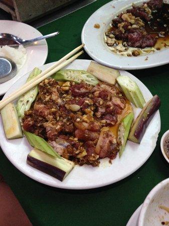 Luong Son (Bo Tung Xeo): pork