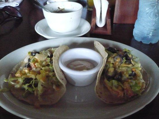 Al Carbon: Taco salad