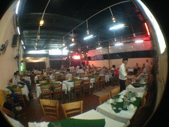 Luong Son (Bo Tung Xeo): dining area