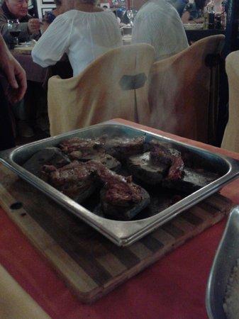Fado Rock Steak House: ostrich and fillet steak