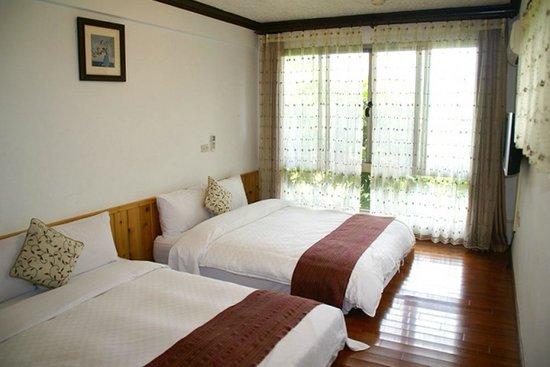 Nantou Puli Pines Garden B&B: 樹屋和室四人房
