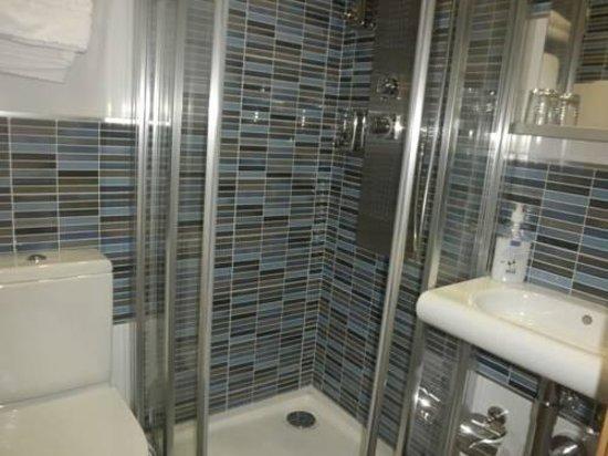 Madrid City Rooms: banheiro