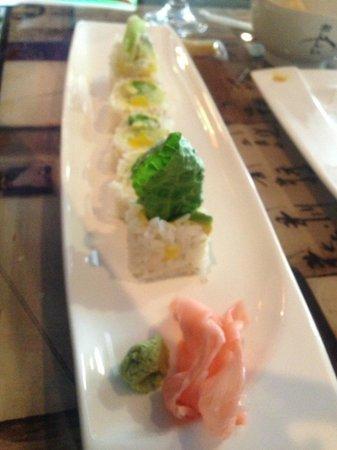 Tokyo Fresh: Veggie roll