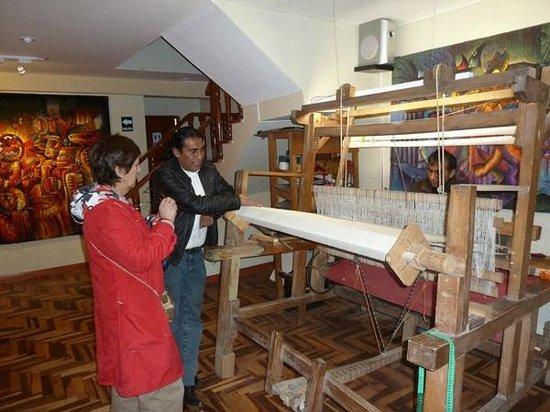 Museo Maximo Laura : Conversando y compartiendo experiencias texctiles con el Sr Maximo Laura